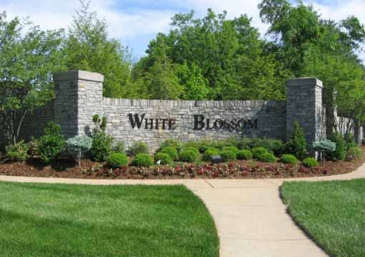 Springhurst Village of White Blossom Louisville KY 40241 Houses in The Villages of Springhurst Homes For Sale off N Hurstbourne Pkwy at White Blossom Blvd